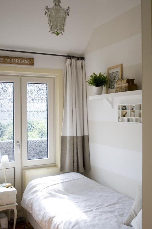 Best How To Decorate A Small Guest Room With Pictures