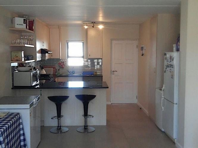 Best Spacious 2 Bedroom Apartment Flat To Rent In Burgundy With Pictures