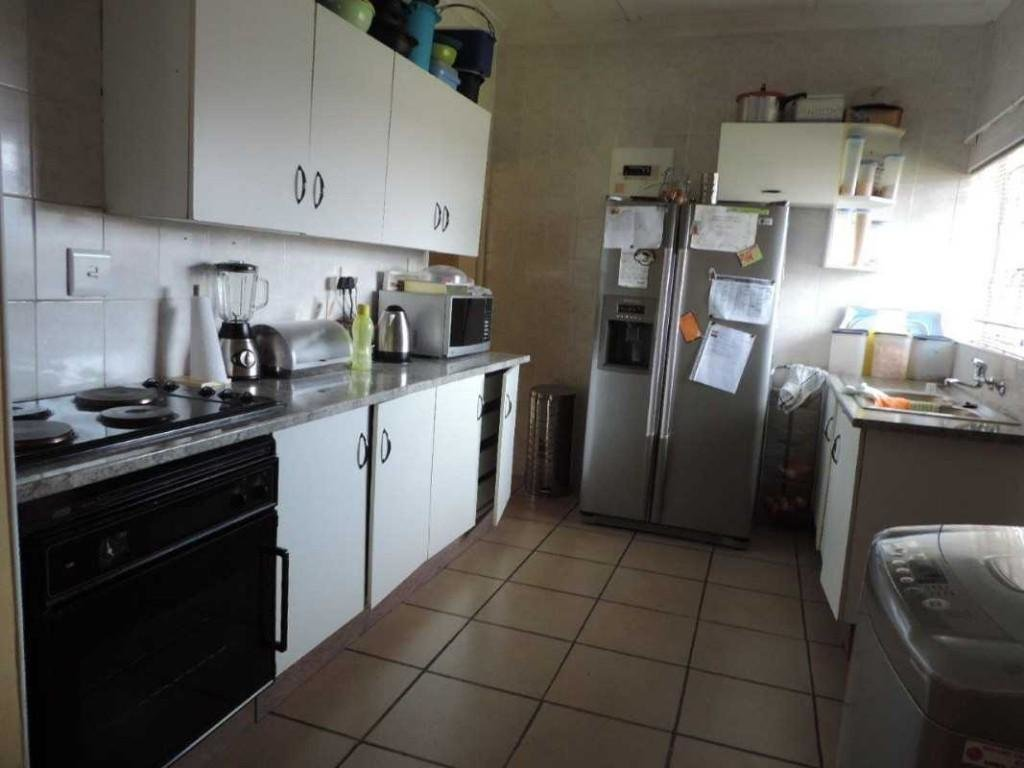 Best Fleurhof 2 Bedroom Flat Available To Rent R3 200 South Africa With Pictures