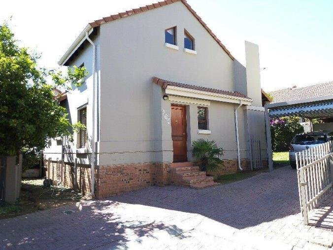 Best 2 Bedroom Townhouse To Rent In Fourways P24 107313981 With Pictures