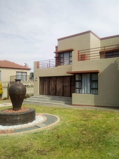 Best 5 Bedroom Townhouse To Rent In Eligwa Estate With Pictures