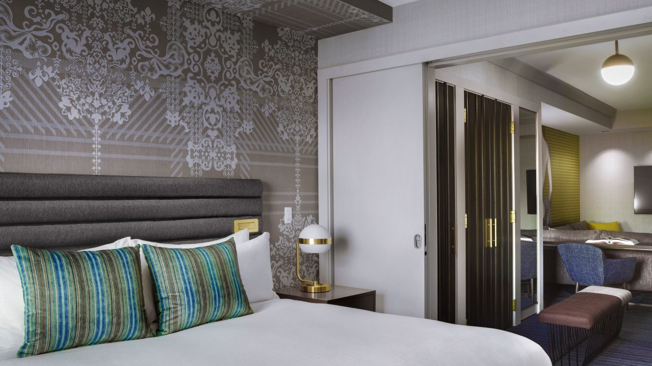 Best Las Vegas Luxury Hotel The Cosmopolitan With Pictures