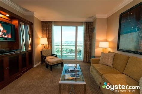 Best The One Bedroom Suite At The Signature At Mgm Grand With Pictures