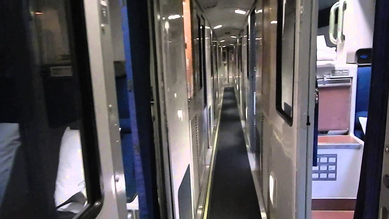 Best Tour Of Amtrak Viewliner Sleeping Car With Accessible With Pictures