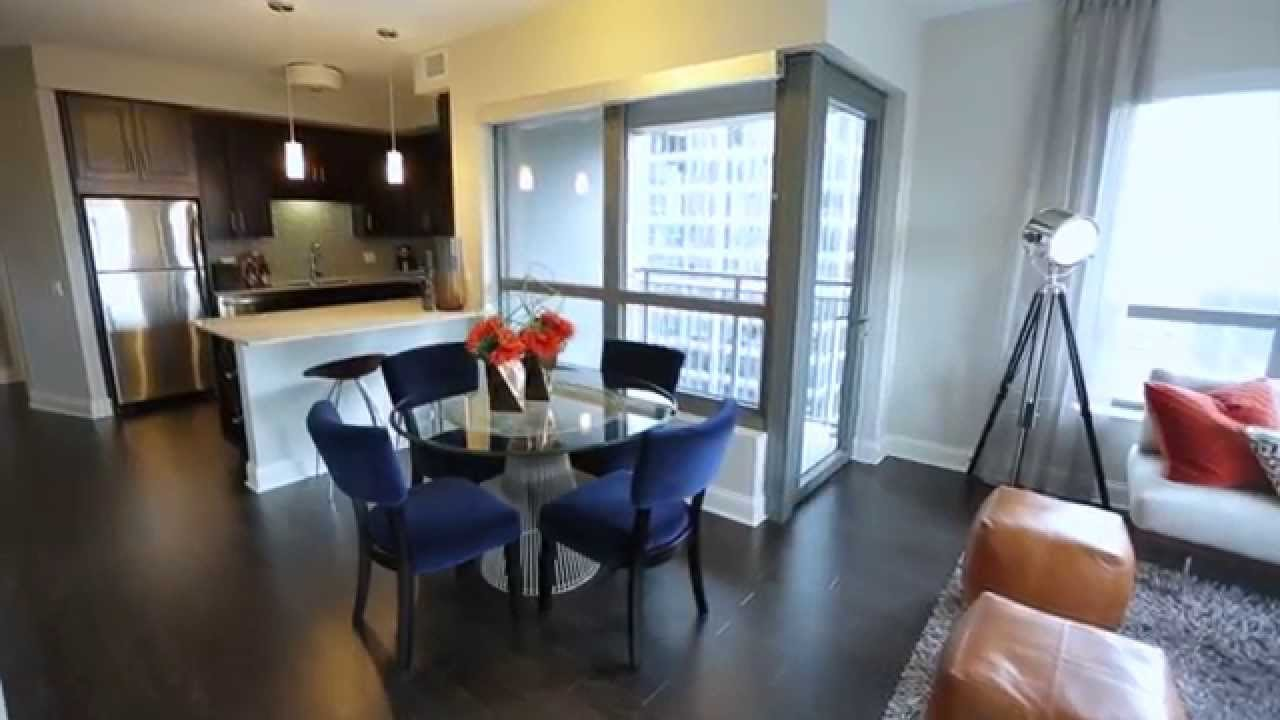 Best Gorgeous Two Bedroom Apartment Chicago Apartments Amli River North Youtube With Pictures Original 1024 x 768