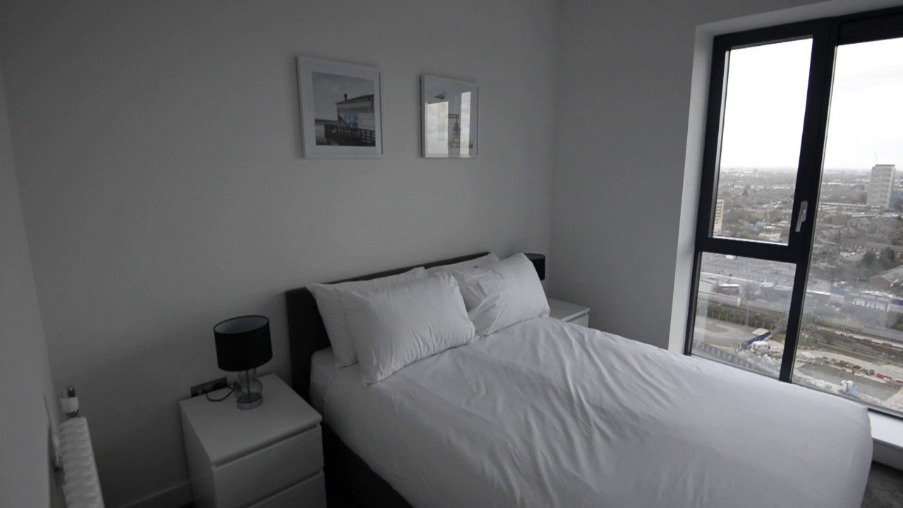Best 2 Bed Flat To Rent In London City Island Canning Town With Pictures