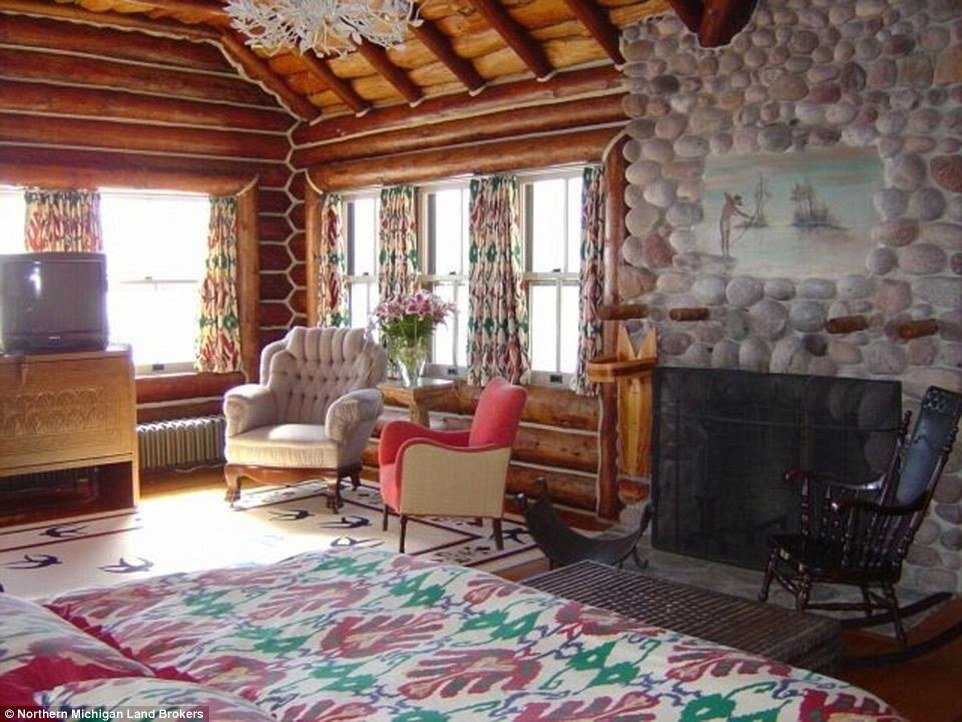 Best Granot Loma World S Largest Log Cabin On The Shore Of With Pictures