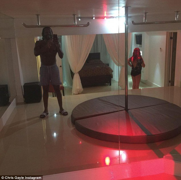 Best Cricketer Chris Gayle Who Made A Pass At Mel Mclaughlin S With Pictures