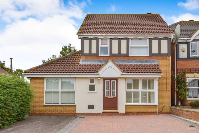Best 3 Bedroom Detached House For Sale In Heydon Court With Pictures