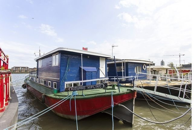 Best 3 Bedroom Houseboat For Sale 37401457 Primelocation With Pictures