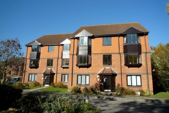 Best 2 Bed Flat To Rent In Foxhills Horsell Woking Gu21 With Pictures