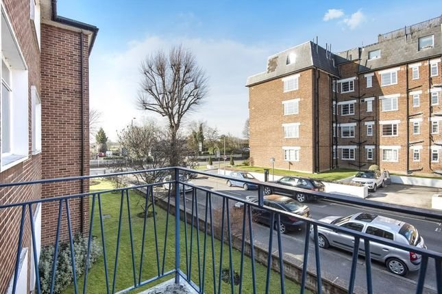 Best Portsmouth Road Surbiton Kt6 2 Bedroom Flat For Sale With Pictures