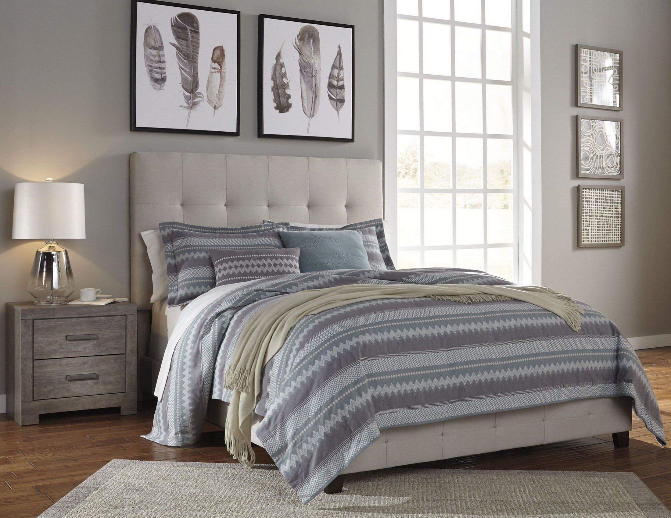 Best Contemporary Cream Upholstered Panel Bedroom Set From With Pictures