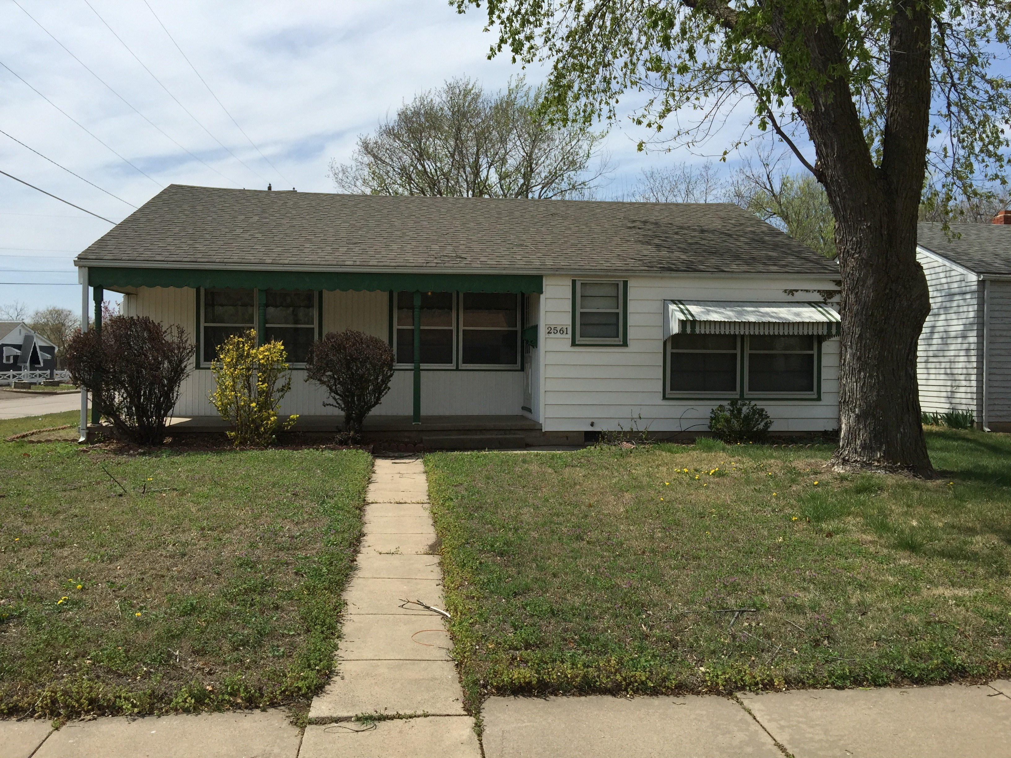Best 2561 S Greenwood St Wichita Ks 67216 3 Bedroom Apartment With Pictures