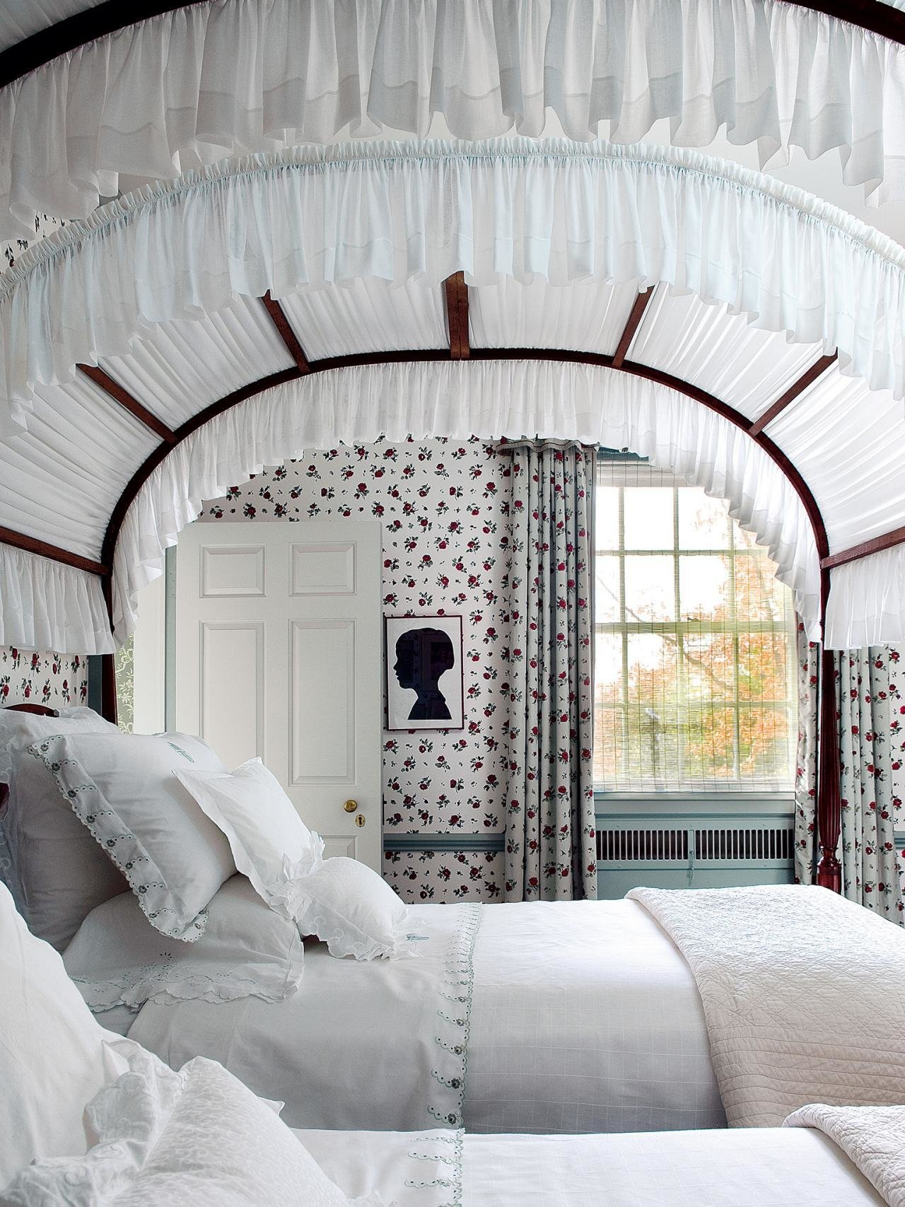 Best 7 Ways To Make Your Bedroom Feel Like A Boutique Hotel With Pictures