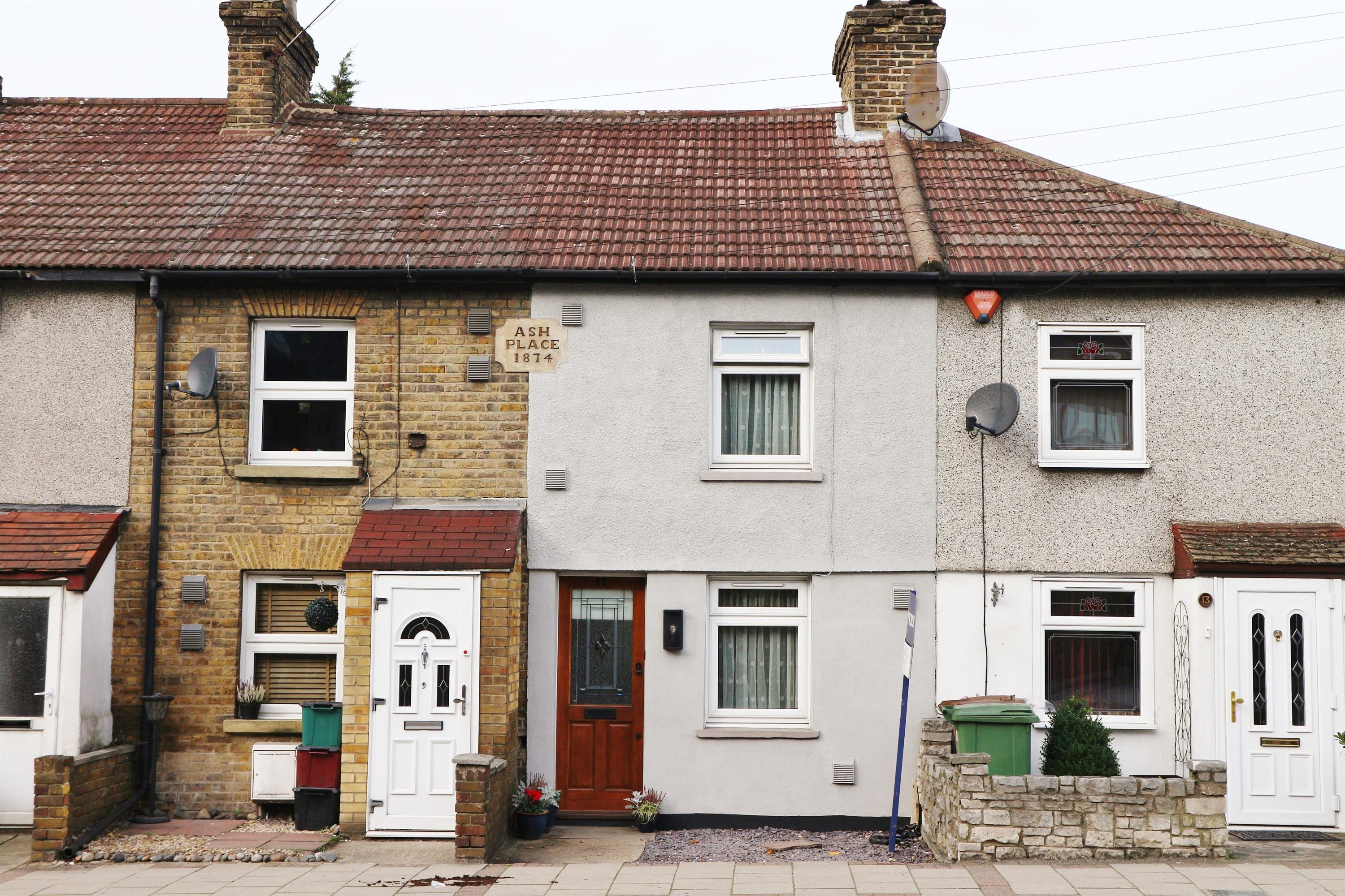 Best 2 Bedroom Terraced House For Sale In Erith Road With Pictures