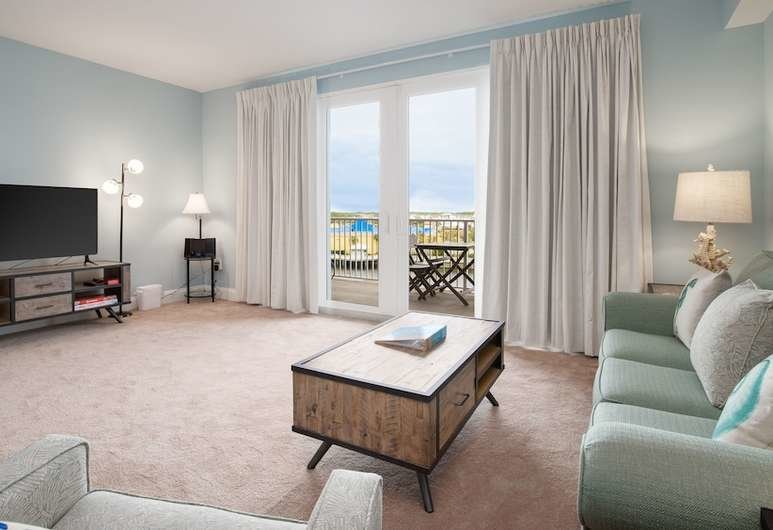 Best Book Laketown Wharf 414 One Bedroom Condo In Panama City Beach Hotels Com With Pictures