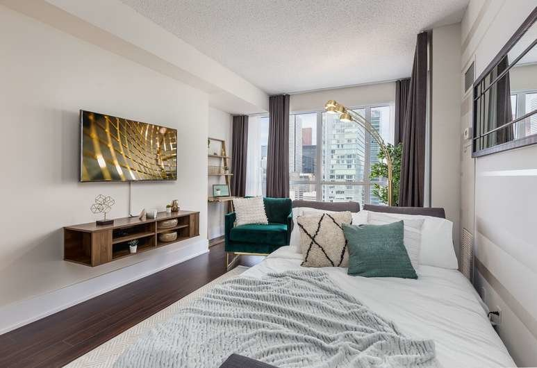 Best Book Quickstay Stylish 2 Bedroom Downtown Condo In With Pictures