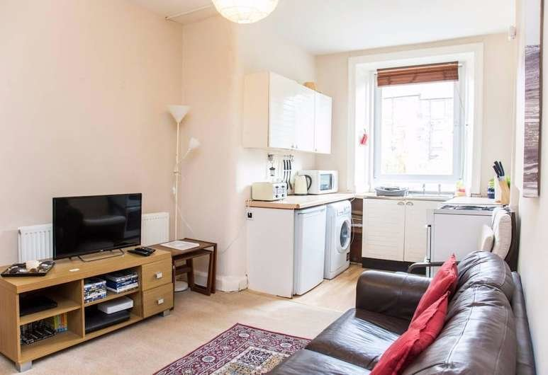 Best Book 1 Bedroom Flat Near Haymarket In Edinburgh Hotels Com With Pictures