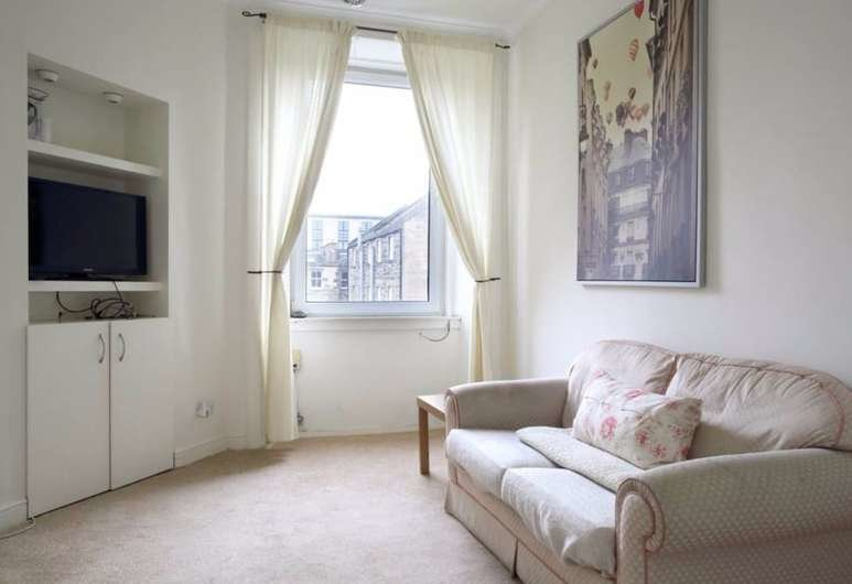 Best 1 Bedroom Apartment In The Shore Leith Edinburgh Info Photos Reviews Book At Hotels Com With Pictures