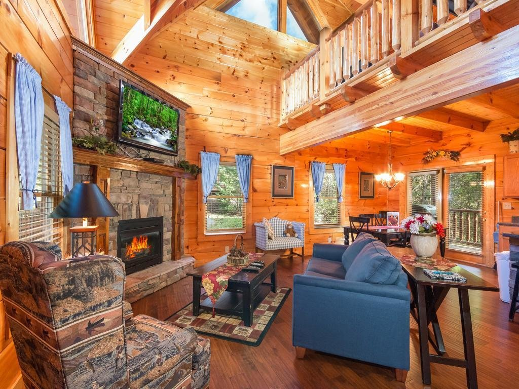 Best Moonlight Theater Lodge Three Bedroom Cabin Pigeon Forge With Pictures