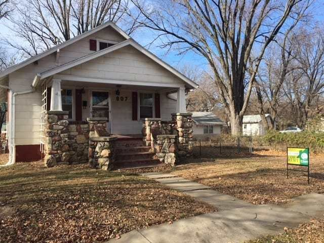 Best 807 Lawrence Street Emporia Ks — 2 Bedroom 1 Bath E With Pictures