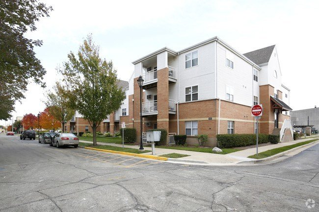Best Stationside Village Apartments Apartments Kenosha Wi With Pictures