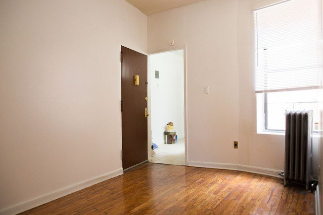 Best Charming 3 Bedroom Apartment 1800 House For Rent In With Pictures