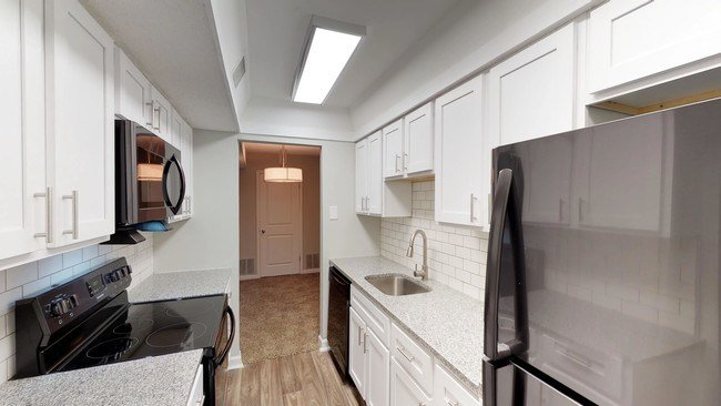 Best The Roxbury Apartments Memphis Tn Apartments Com With Pictures