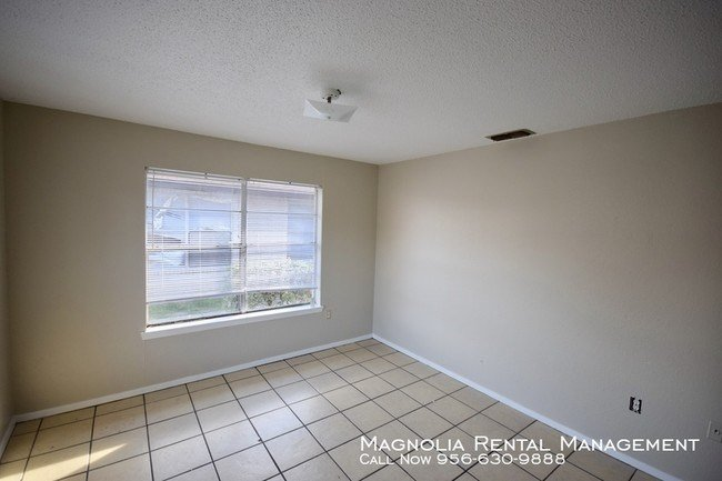 Best One Bedroom Apartment In Mcallen Apartment For Rent In With Pictures