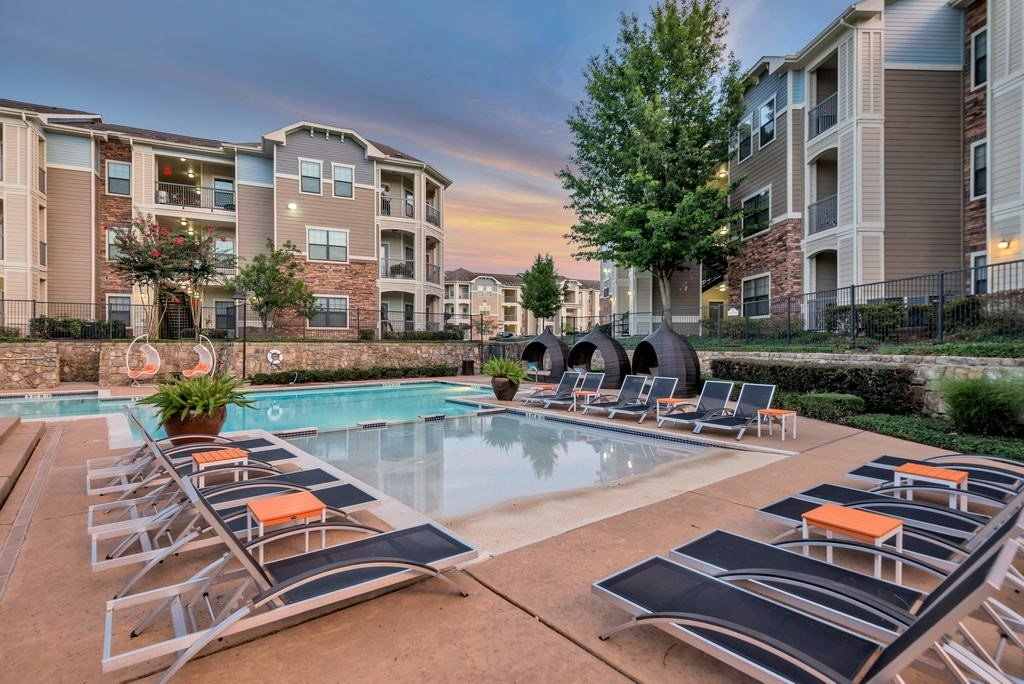 Best Stoneleigh Apartments Rentals Houston Tx Apartments Com With Pictures