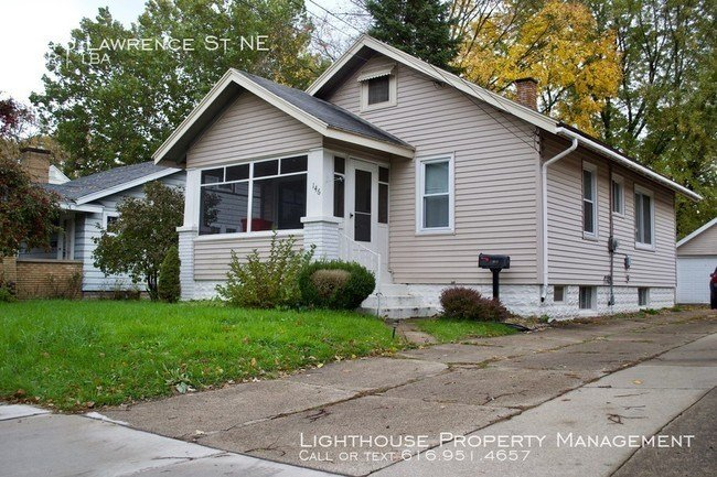 Best Two Bedroom House In Northeast Grand Rapids House For With Pictures Original 1024 x 768