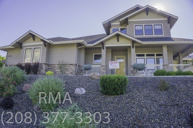 Best One Of A Kind 4 Bedroom Home In Boise Hills House For With Pictures