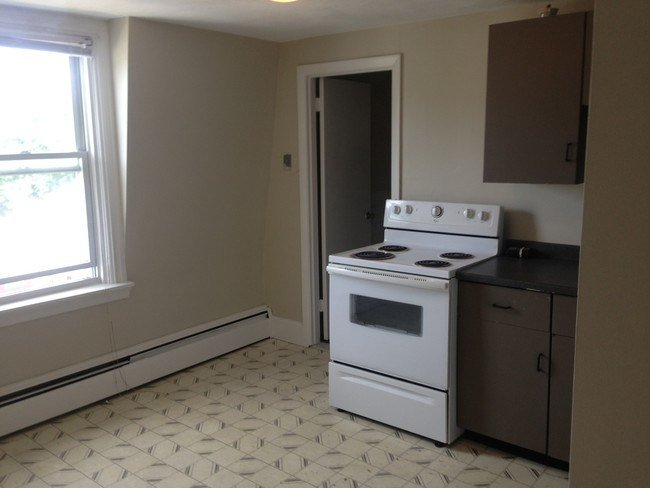 Best Large 1 Bedroom All Utilities Included Apartment For With Pictures Original 1024 x 768