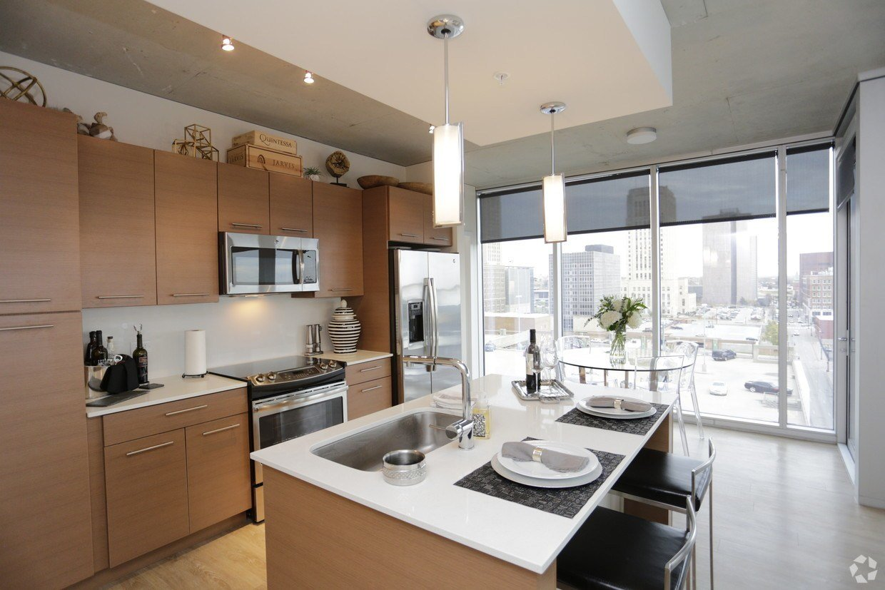 Best One Light Luxury Apartments Apartment Rentals Kansas With Pictures