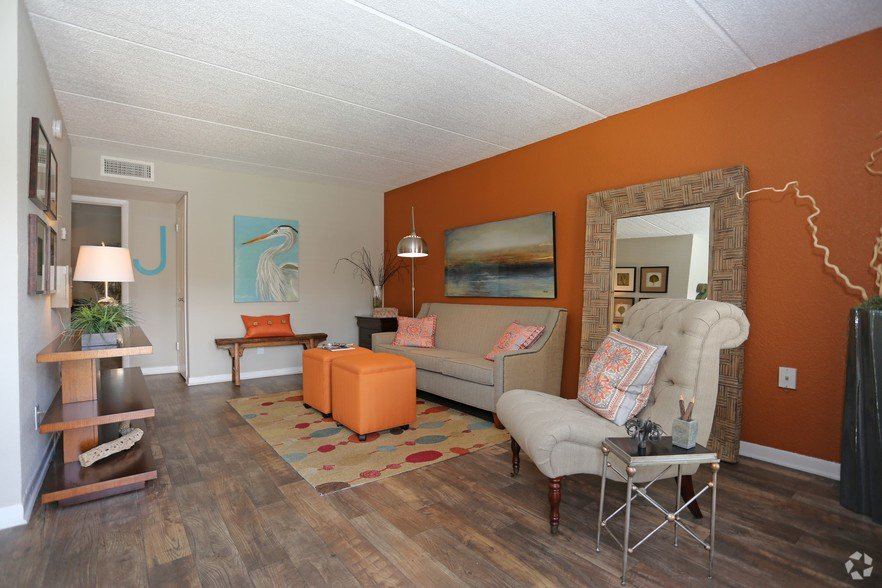 Best Liv St Charles Row Rentals Saint Petersburg Fl With Pictures
