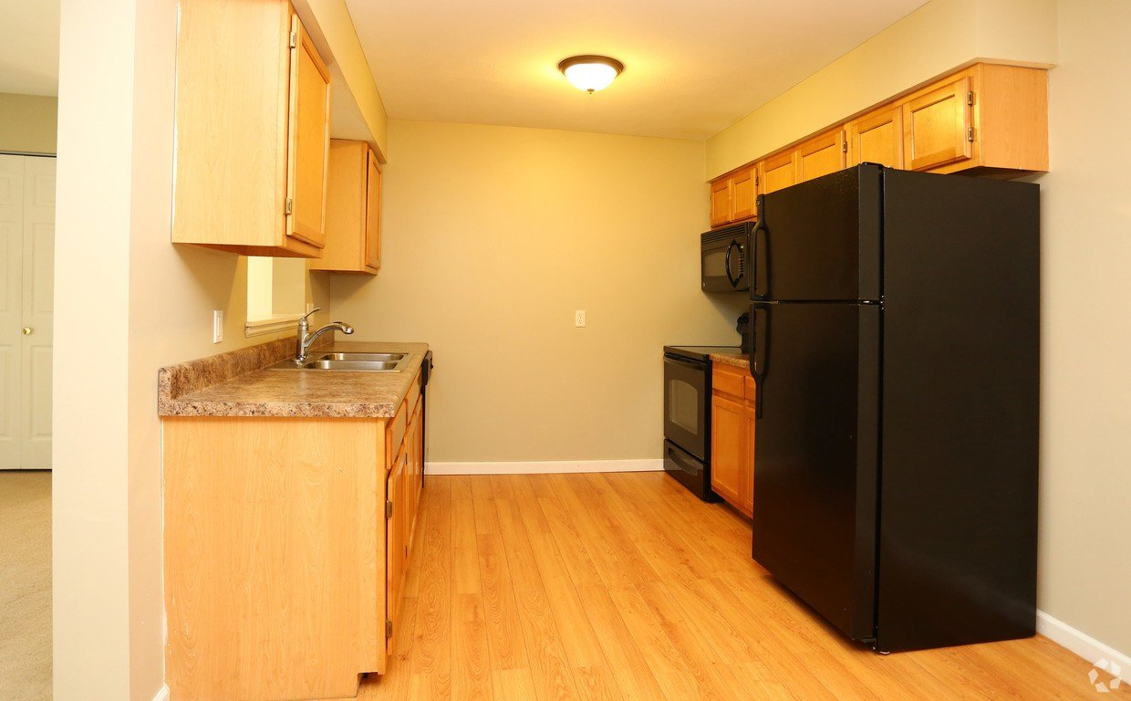 Best Newbury Apartment Homes Rentals Syracuse Ny Apartments Com With Pictures