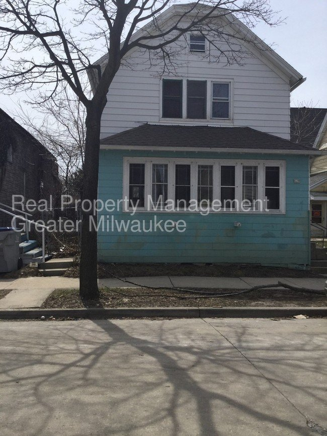 Best 3 Bedroom Home House For Rent In Milwaukee Wi With Pictures