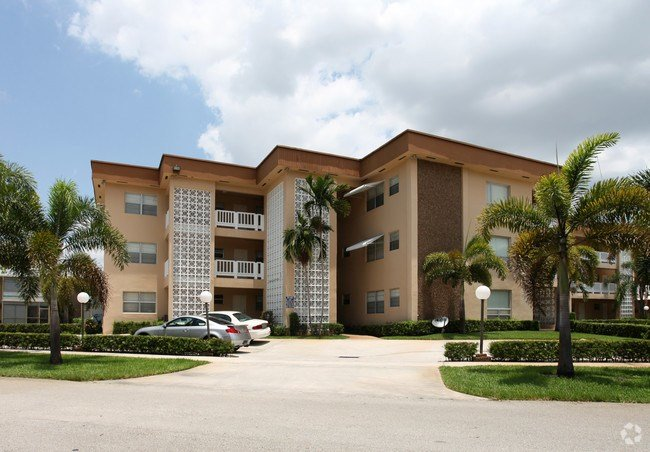Best Lomar Apartments Rentals Hollywood Fl Apartments Com With Pictures