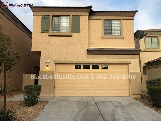 Best 4 Bedroom Two Story House In North Las Vegas House For With Pictures