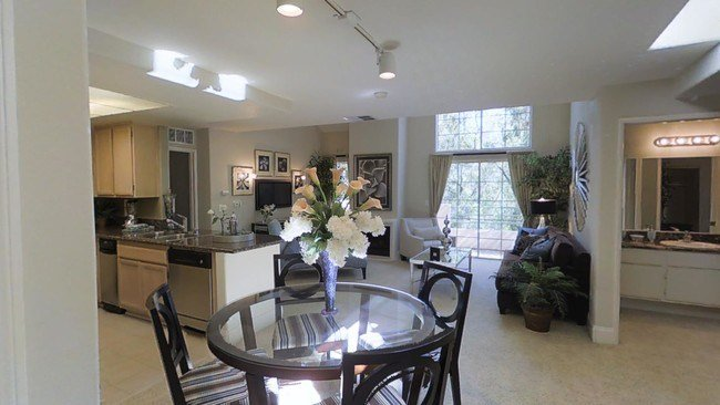 Best Summit At Warner Center Apartments Woodland Hills Ca With Pictures
