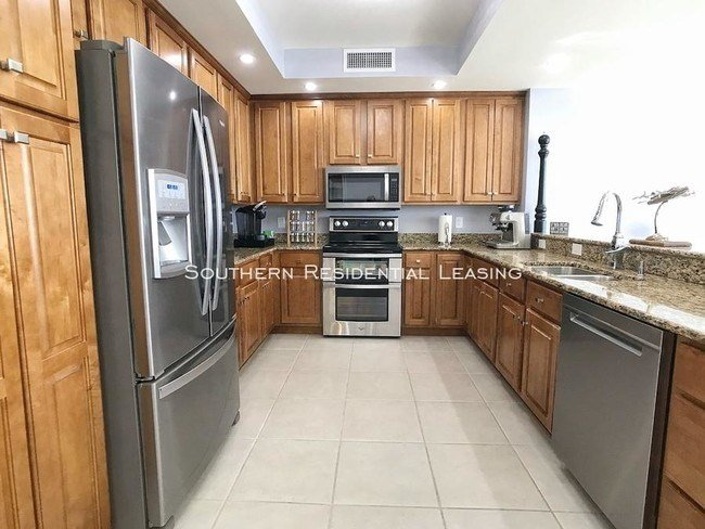Best 2 Bedroom In Pensacola Fl 32507 2183 Condo For Rent In With Pictures