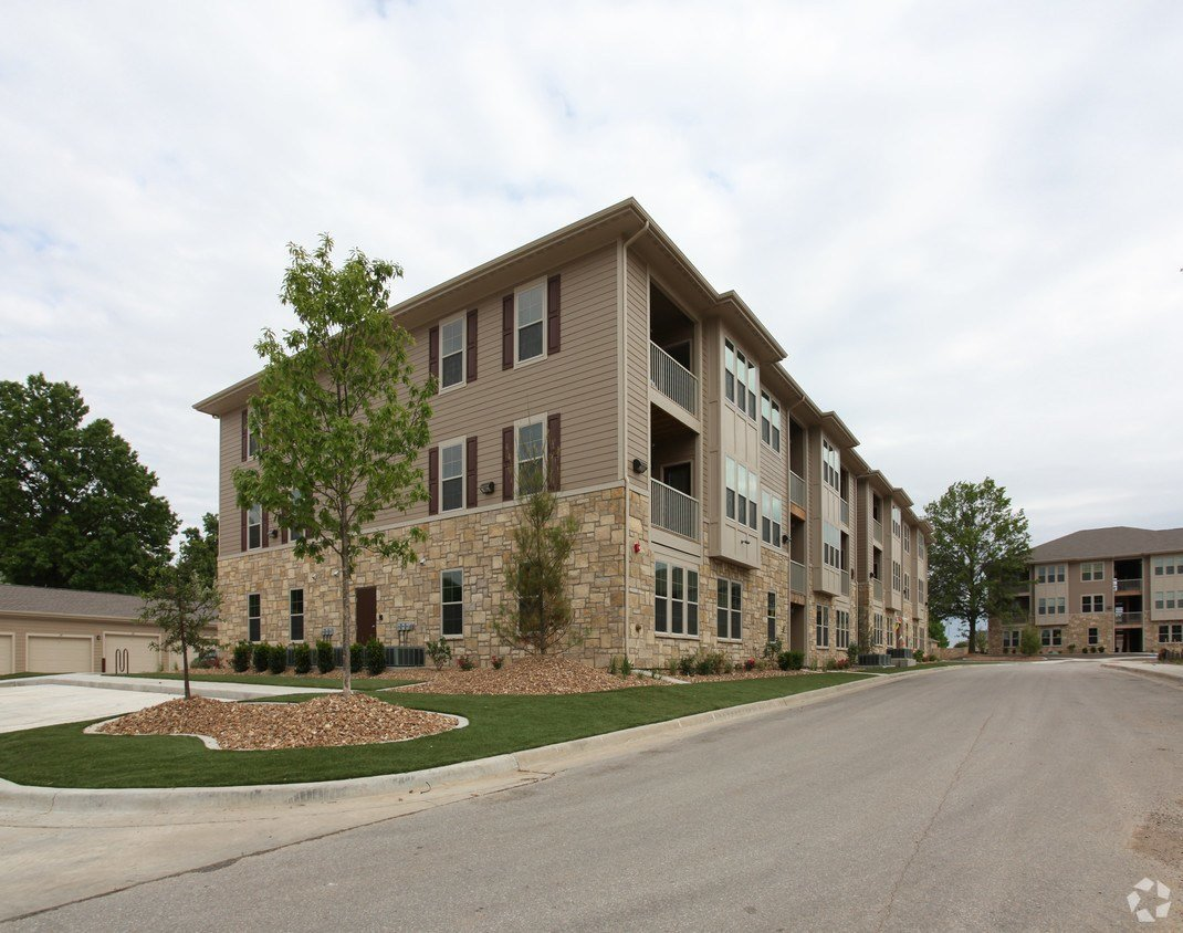Best Tuckaway Apartments At Frontier Rentals Lawrence Ks Apartments Com With Pictures