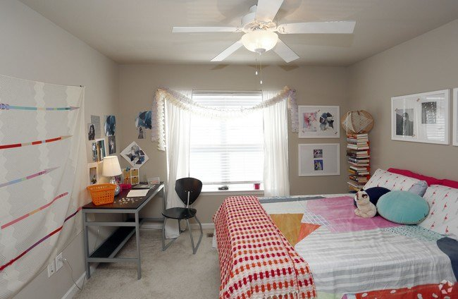 Best The Tyler Apartments Indianapolis In Apartments Com With Pictures