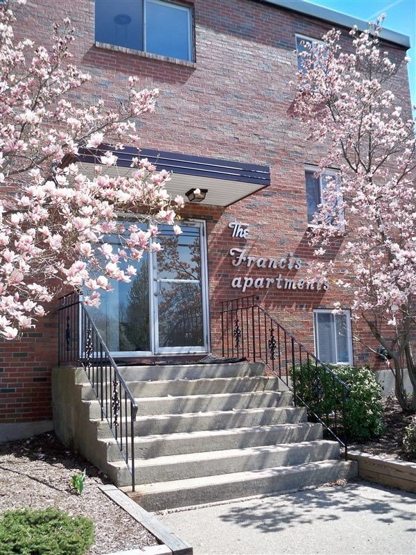 Best 1 Br 1 Bath Apartment The Francis Condo For Rent In Bristol Ct Apartments Com With Pictures