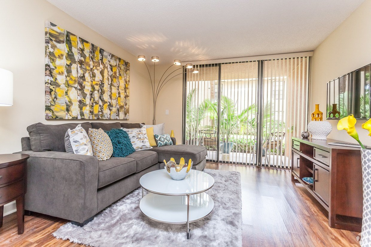 Best Meadow Walk Apartments Apartments Miami Lakes Fl Apartments Com With Pictures