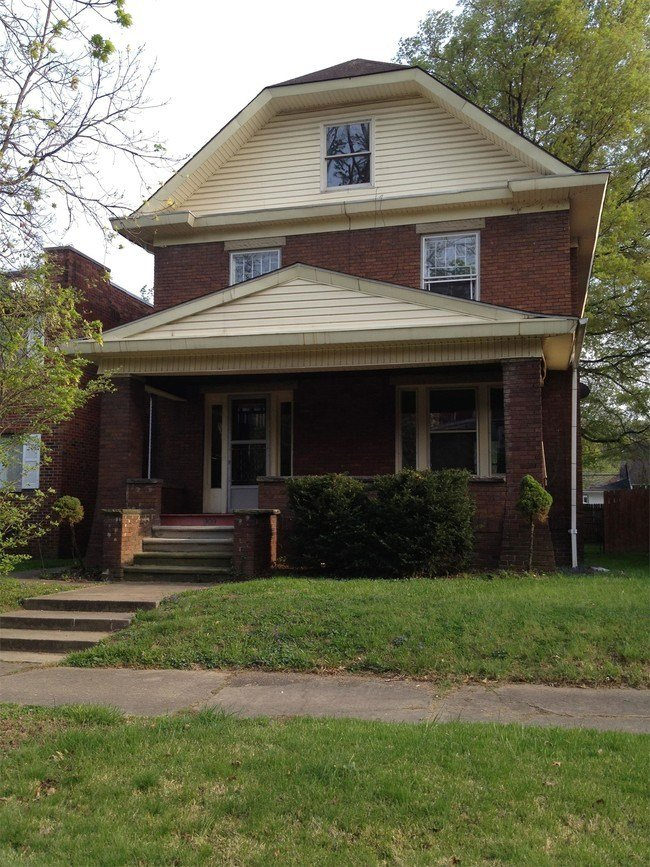 Best 909 11Th Ave Huntington Wv 25701 House For Rent In Huntington Wv Apartments Com With Pictures