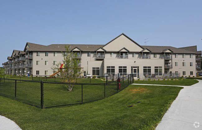 Best Grand Royale Plaza Apartments Saint Cloud Mn Apartments Com With Pictures