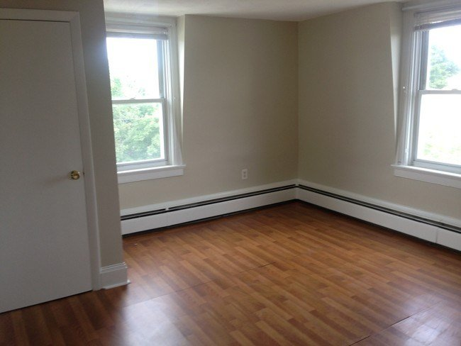 Best Large 1 Bedroom All Utilities Included Apartment For Rent In Providence Ri Apartments Com With Pictures