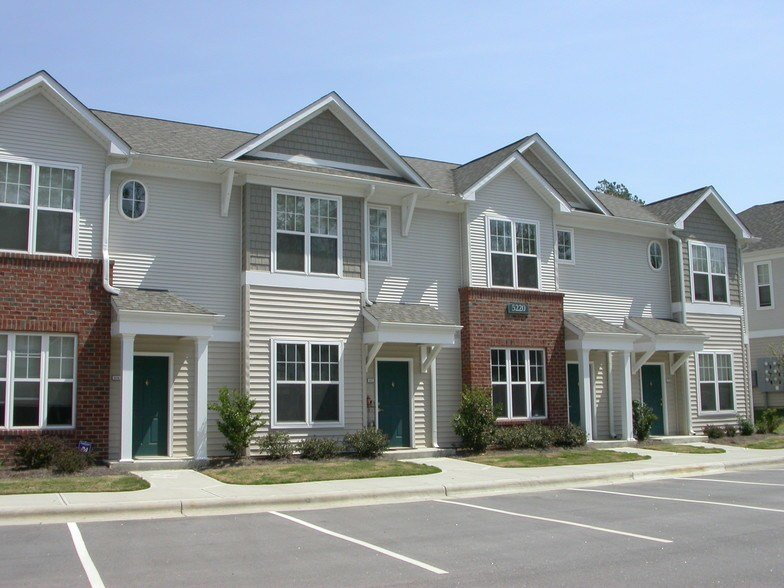 Best Falls Creek Apartments Townhomes For Rent In Raleigh Nc Forrent Com With Pictures